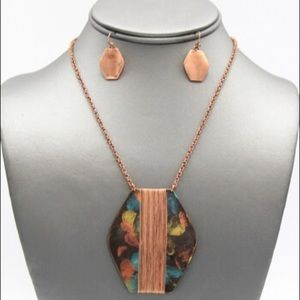 Wired Pendant Panitna Necklace Set